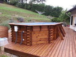 ER BOIS - Piscine hors sol et terrasse en pin brun